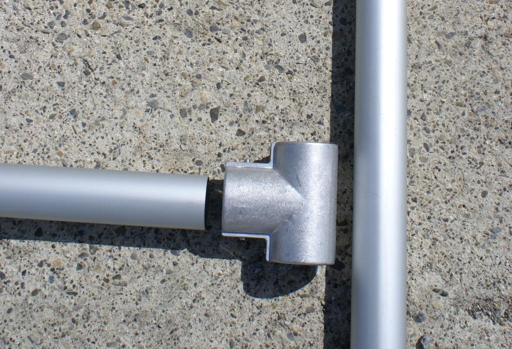 Fahnenmasten aus eloxiertem Aluminium